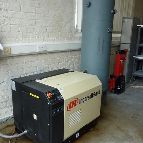 Ingersoll Rand Ssr M5 5 Compressor With 340l Air Receiver border=