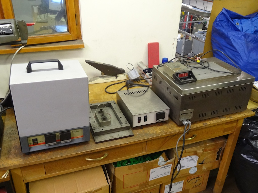 Thermocouple calibration furnace 1200 degree C - including