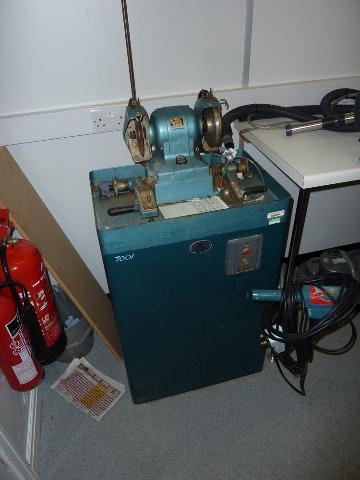 Black Amp Decker Hd1245 Heavy Duty Bench Grinder 1st Machinery